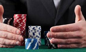 Chyby při pokeru
